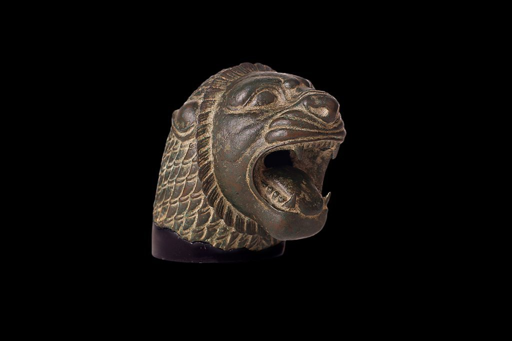 persian-archaemenid-lion-head