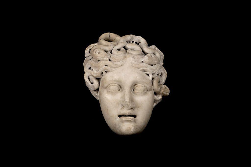 rome-medusa-sculpture